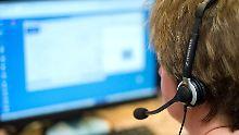 """Von """"sehr gut"""" bis """"mangelhaft"""": Service-Test am Telefon und per E-Mail"""