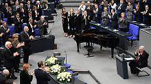 """KZ-Überlebende im Bundestag: """"Ich wollte nie wieder nach Deutschland"""""""