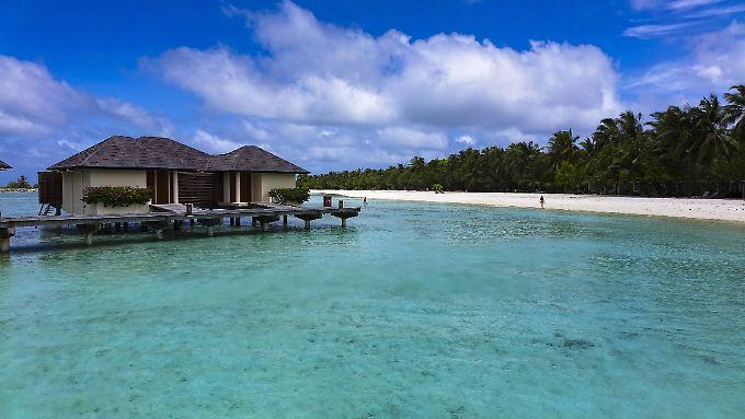 Urlauber sollten die Hauptstadt meiden, doch für die Insel-Resorts gibt es keine Warnung.