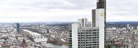 Stellenabbau kostet Geld: Gewinn der Commerzbank bricht ein