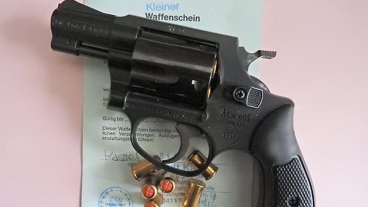 Viele Menschen verbinden den Besitz einer Waffe mit dem Schutz der eigenen Sicherheit.