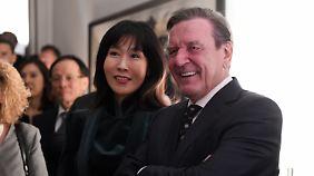 Schröder und Kim bei einem Empfang in der deutschen Botschaft am Mittwoch.