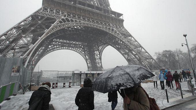 Eiffelturm im Schnee: Sehr romantisch.