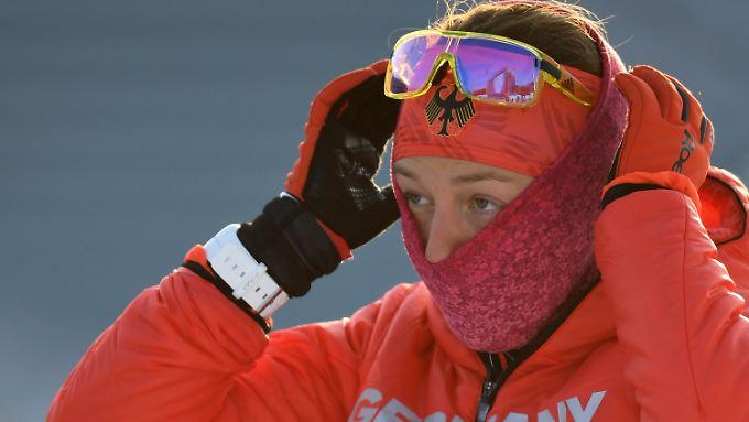 Einen freien Blick auf die Medaillen hat Biathletin Laura Dahlmeier.