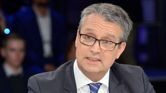 """Gabor Steingart wurde unter anderem 2004 """"Wirtschaftsjournalist des Jahres""""."""
