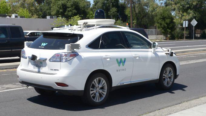 Selbstfahrendes Auto von Waymo.