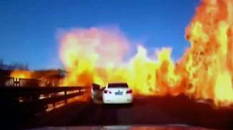 Loderndes Inferno in China: Flüssiggas verwandelt Straße in Flammenmeer
