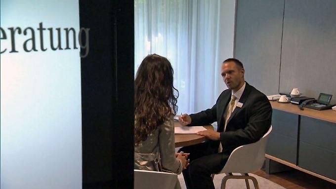 n-tv Ratgeber - Kurznews: Geldanleger sind bei Banken gut beraten