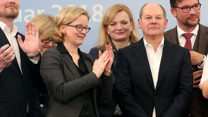 Olaf Scholz ist in der eigenen Partei nur mäßig beliebt, auf Landesebene aber aktuell der erfolgreichste Regierungschef der SPD. In einer Großen Koalition soll er Finanzminister und Vizekanzler werden.