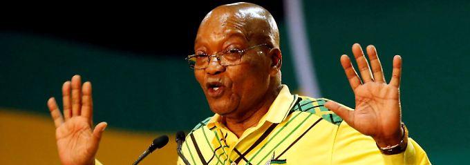 Zuma gibt auf.