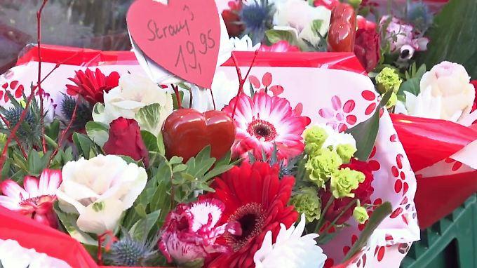Süße Versuchung, frohlockende Floristen: Valentinstag beflügelt große Gefühle und das Geschäft