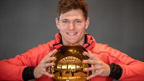 Der Helm von Thomas Dreßen hat schon die richtige Farbe.
