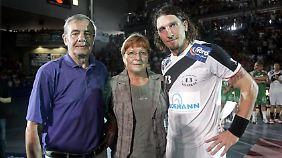 Waltraud Kretzschmar mit Sohn Stefan und Mann Peter.