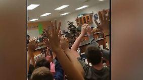 Schießerei an US-Highschool: Handy-Video zeigt Eintreffen der Spezialkräfte