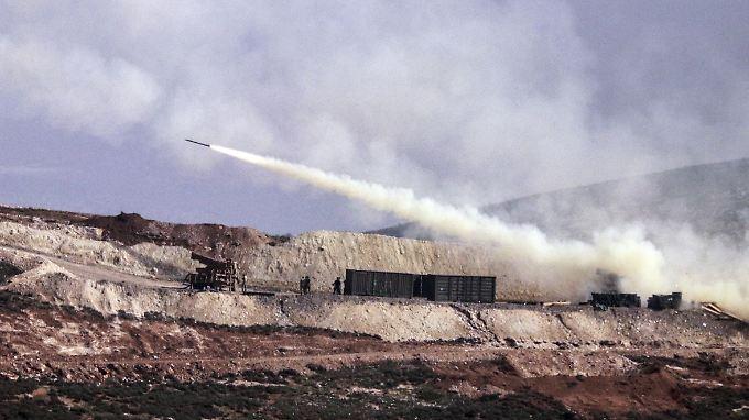 Die türkische Armee greift seit gut einem Monat die nordsyrische Region Afrin an (Archivbild).