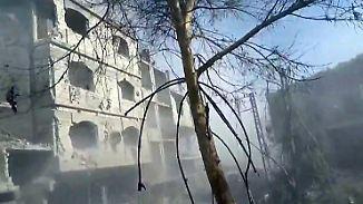 Viele zivile Opfer: Syrische Armee fliegt Luftangriffe gegen Rebellen in Ost-Ghuta