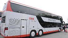 Eine Busfahrt, die ist lustig …: Studentin jodelt aus verriegeltem Laderaum