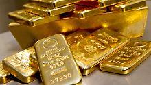 Glänzendes Geschäft?: Wie Anleger in Gold investieren sollten