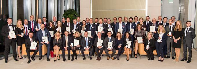 Die Gewinner wurden in der Berliner Bertelsmann-Repräsentanz feierlich mit dem Service-Preis ausgezeichnet.