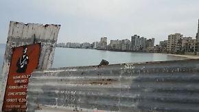 Hoffen auf Wiedervereinigung: Zyprer wollen Geisterstadt im Sperrgebiet wiederbeleben
