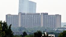 Die Bundesbank hat ihren Sitz in Frankfurt am Main - genauso wie die Europäische Zentralbank im Hintergrund.