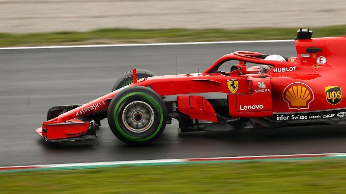 Sebastian Vettel ist nach der ersten Testwoche nicht wirklich schlauer - weil noch nicht einmal die Reifen warm werden.