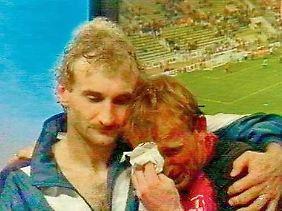 Bild der Saison: Rudi Völler und Andreas Brehme.