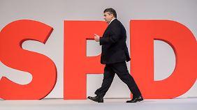Kein Ministerposten in neuer GroKo: SPD-Spitze sägt Gabriel ab