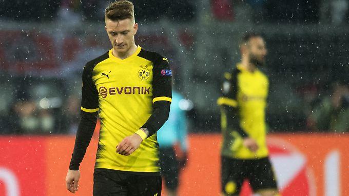 Hängende Köpfe bei Marco Reus und dem BVB nach der Niederlage gegen Salzburg.