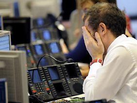 """""""Augen zu und durch"""" an der Mailänder Börse: Refinanzierungsversuche mitten in der Schuldenkrise (Archivbild)."""