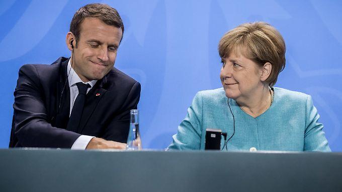 Am Donnerstag empfängt Angela Merkel den französischen Präsidenten in Berlin.