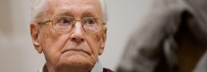 Reue im hohen Alter: Der frühere SS-Mann Oskar Gröning vor Gericht. (Bild von 2015)