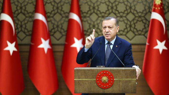Sehenden Auges baut das türkische Parlament die alleinige Macht des Präsidenten aus.