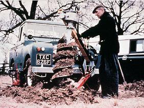 Auch als Arbeitsfahrzeug für den Landwirt war der Defender der zweiten Serie gedacht.