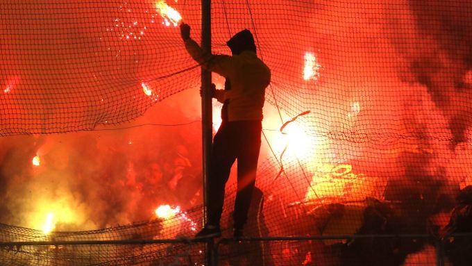 Hooligans sind im griechischen Fußball nur ein Teil des Problems.