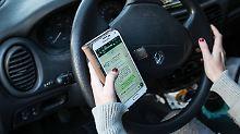 Studie untersucht Unfallfaktoren: Handy, Navi und Krach lenken Autofahrer ab