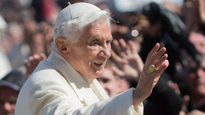 Vor fünf Jahren übergab Benedikt an seinen Nachfolger.