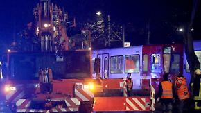 Fahrer offenbar alkoholisiert: In Köln kollidieren zwei Straßenbahnen - mehr als 40 Verletzte