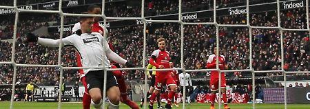 Gladbach erlebt Torspektakel: Frankfurt furios, Werder fast gerettet