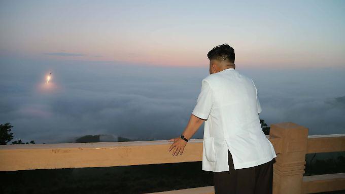 Kim Jong Un hat in der Vergangenheit immer wieder Raketen getestet.