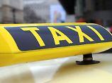 """""""In perfider Weise"""": Taxifahrer belästigte behinderte Frauen"""