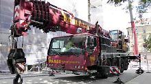 Polizei sucht 48-Tonnen-Gefährt: Diebe touren mit Kran durch Deutschland