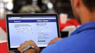 Facebook kämpft mit Nutzerflucht: Ermittler durchsuchen Zentrale von Cambridge Analytica