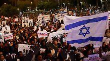"""""""Kein Unterschied zwischen Blut"""": Israelis protestieren gegen Abschiebepolitik"""
