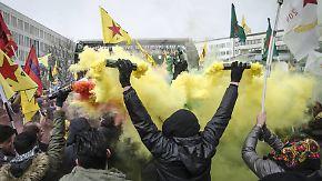 Proteste gegen Türkei-Offensive in Afrin: Kurden wollen Druck auf Merkel ausüben