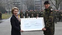 Ausgerechnet von der Leyen: Bundeswehr soll stolz auf sich selbst sein