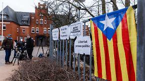 Warten auf eine Entscheidung: Mehrheit der Deutschen lehnt Puigdemont-Auslieferung ab