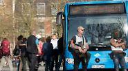 Sonderbusse brachten derweil unverletzte Passanten in Sicherheit.
