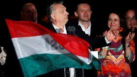 Oppositionsführer treten zurück: Orbán triumphiert bei Ungarn-Wahl