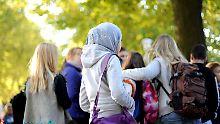 Kopftücher sollen nach dem Willen einiger Politiker an deutschen Grundschulen bald nicht mehr zu sehen sein.